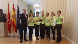 Cristina Cifuentes apoya a Vencer el Cáncer