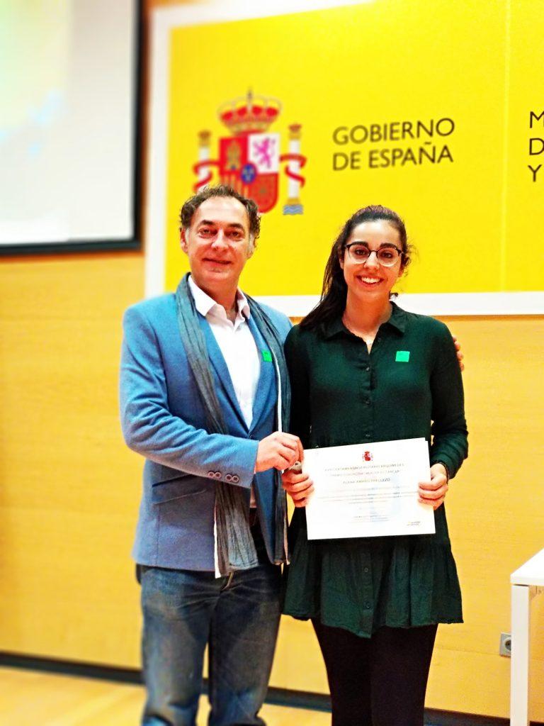 VEC entrega premio a Elena Amaro