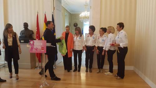Cristina Cifuentes con Vencer el Cáncer